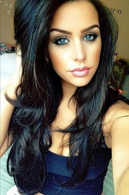 Current Dark Long Hairstyles Throughout Long Dark Hairstyles – Practical Ideas When Going Out On A Date (View 5 of 15)