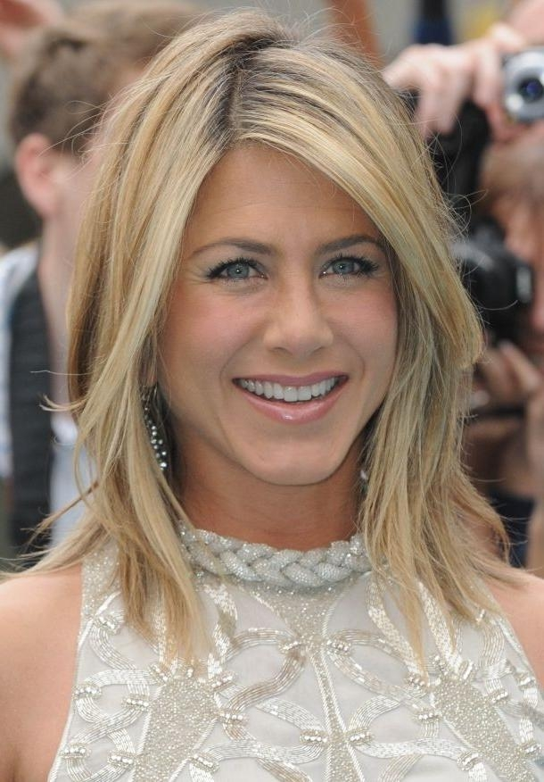 Current Jennifer Aniston Long Layered Bob Hairstyles Throughout Celebrities With Straight Haircuts For Medium Length Hair – Hair (View 3 of 15)