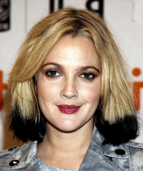 Drew Barrymore Medium Straight Alternative Hairstyle Pertaining To Most Recently Released Drew Barrymore Shoulder Length Bob Hairstyles (Gallery 3 of 15)