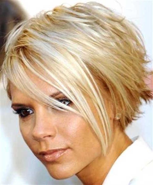 Famous Victoria Beckham Inverted Bob Hairstyles In 15 Victoria Beckham Blonde Bob Hairstyles (View 11 of 15)