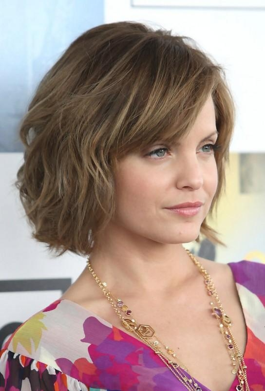 Favorite Mena Suvari Shoulder Length Bob Hairstyles With Long Bob Haircut With Layers Layered Long Bob Women Hairstyle Trendy (View 8 of 15)