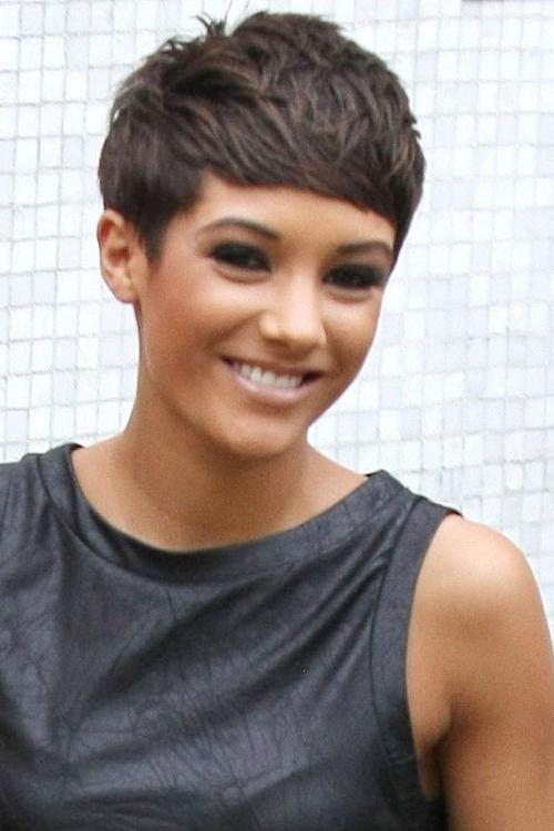 Featured Photo of Frankie Sandford Cute Feather Pixie Bob Hairstyles