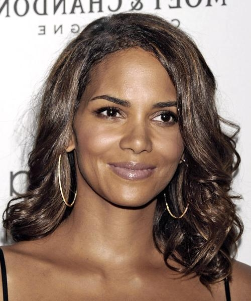 Halle Berry Long Wavy Casual Hairstyle With Halle Berry Long Hairstyles (View 8 of 15)