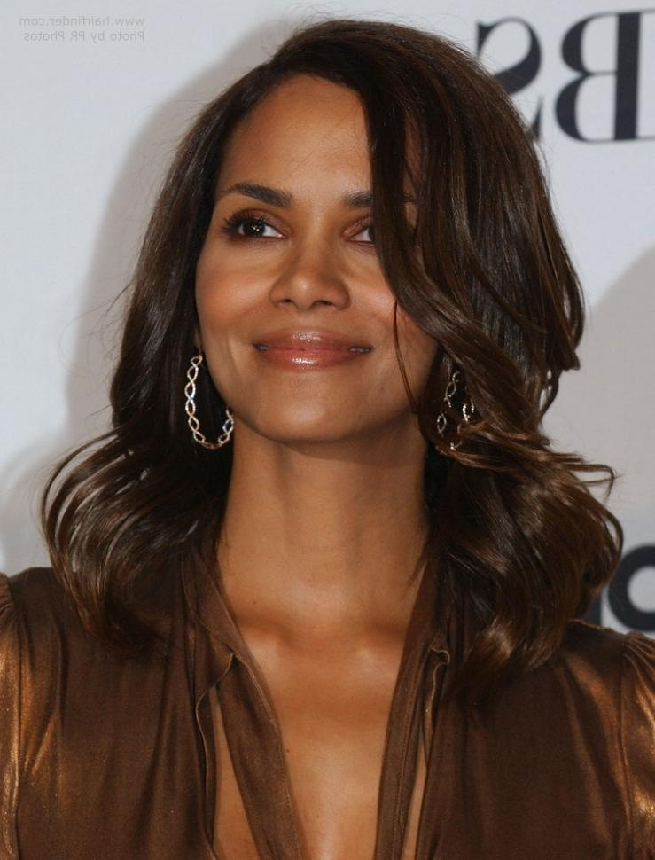 Halle Berry Wearing Her Hair Long With Waves Around Her Face Inside Halle Berry Long Hairstyles (View 14 of 15)