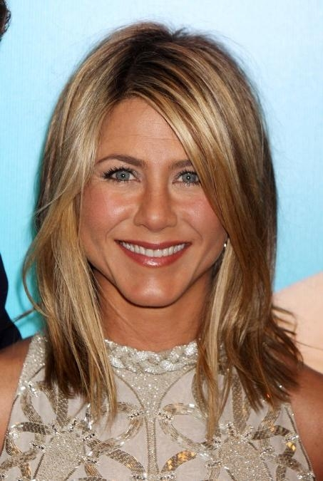 Jennifer Aniston Layered Long Bob Hairstyle: So Sexy! – Hairstyles In Recent Jennifer Aniston Long Layered Bob Hairstyles (View 6 of 15)