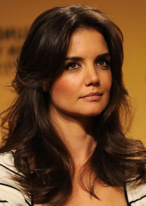 Katie Holmes Layered Long Wavy Hairstyle: Hot Moms Haircut With Katie Holmes Long Hairstyles (View 7 of 15)