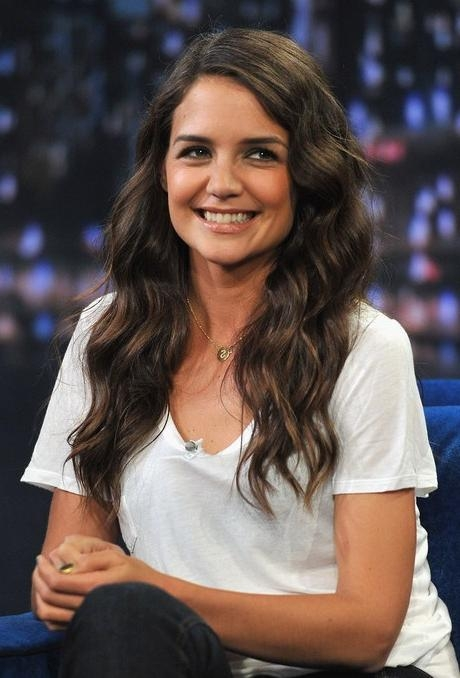 Katie Holmes Sweet Side Parted Long Wavy Hairstyle – Hairstyles Weekly In Katie Holmes Long Hairstyles (View 15 of 15)