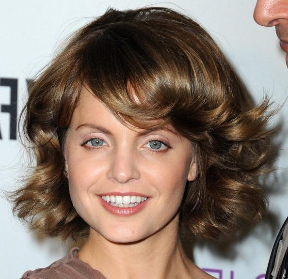 Mena Suvari Mid Length Bob – Mena Suvari Shoulder Length Throughout Most Recently Released Mena Suvari Shoulder Length Bob Hairstyles (View 12 of 15)