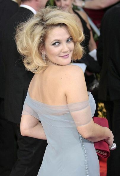 More Pics Of Drew Barrymore Curled Out Bob (4 Of 5) – Short Inside Fashionable Drew Barrymore Shoulder Length Bob Hairstyles (View 11 of 15)