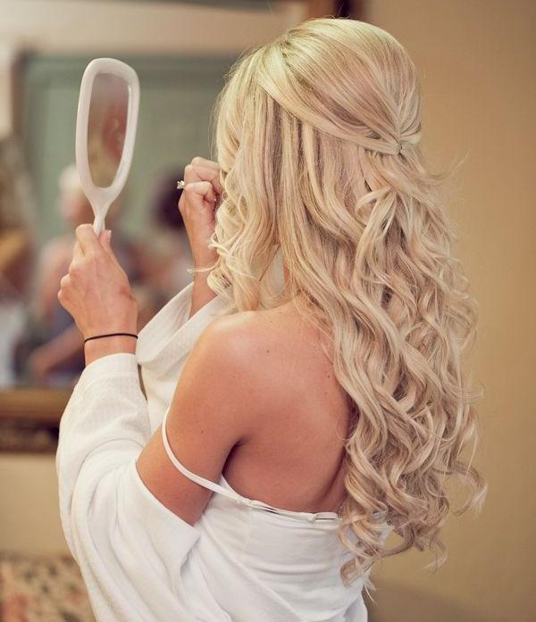Most Popular Long Hairstyles For Weddings Hair Down Within 20 Creative And Beautiful Wedding Hairstyles For Long Hair (View 10 of 15)