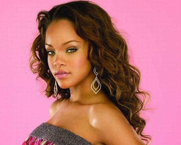 Newest Rihanna Long Hairstyles In 60 Rihanna Hairstyles Which Look Extraordinary – Slodive (View 10 of 15)