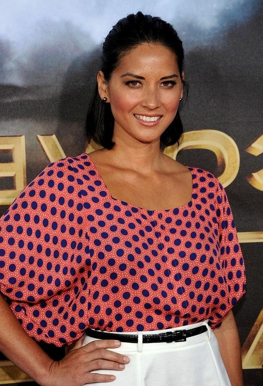 Olivia Munn Mid Length Hairstyle: Bob With Half Up Half Down For Within Recent Olivia Munn Shoulder Length Bob Hairstyles (Gallery 14 of 15)