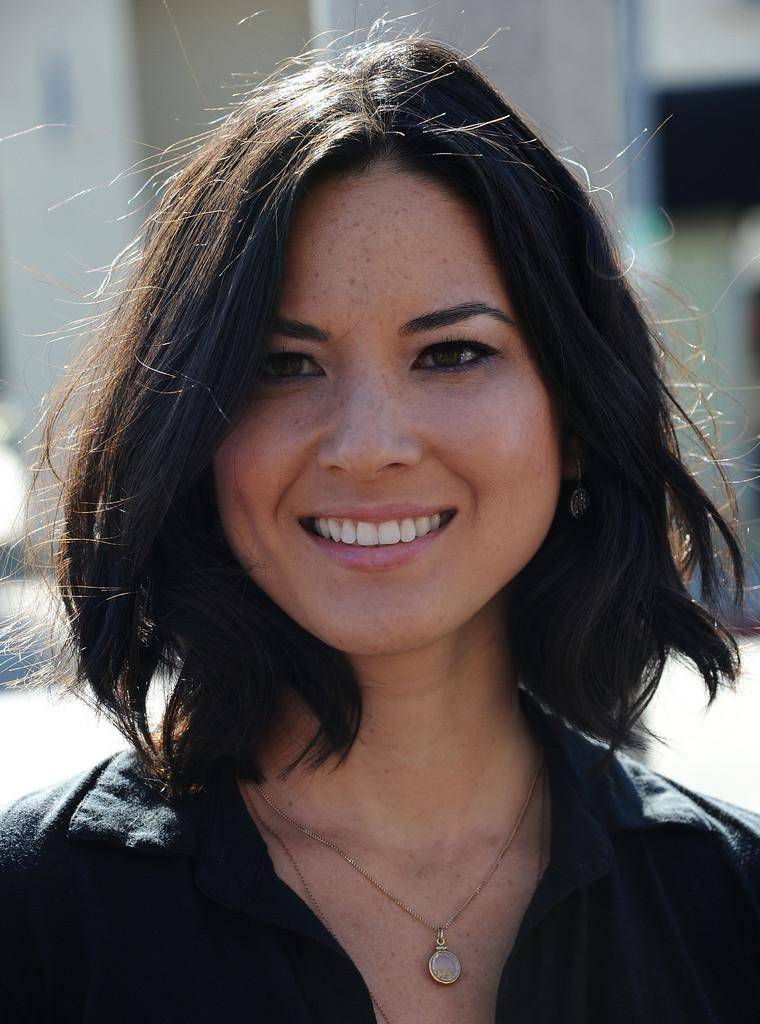 Olivia Munn Shoulder Length Hairstyles – Olivia Munn Hair For Most Up To Date Olivia Munn Shoulder Length Bob Hairstyles (View 10 of 15)