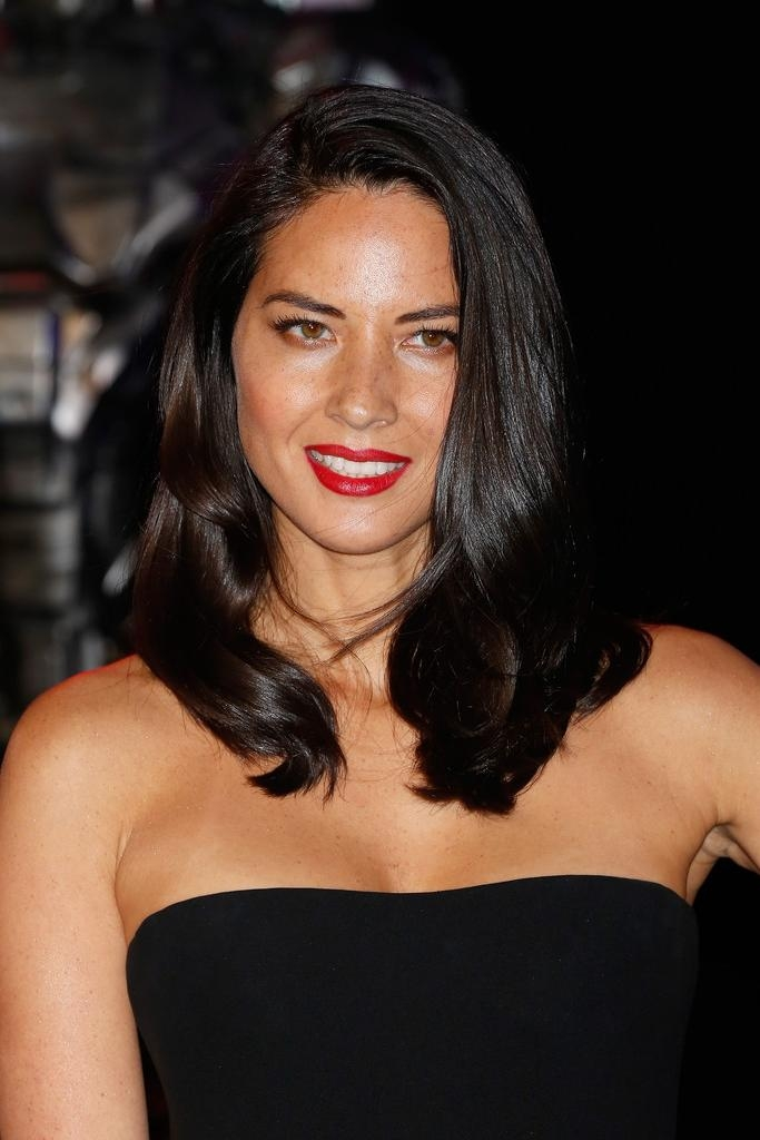 Olivia Munn Shoulder Length Hairstyles – Olivia Munn Hair In Famous Olivia Munn Shoulder Length Bob Hairstyles (View 11 of 15)