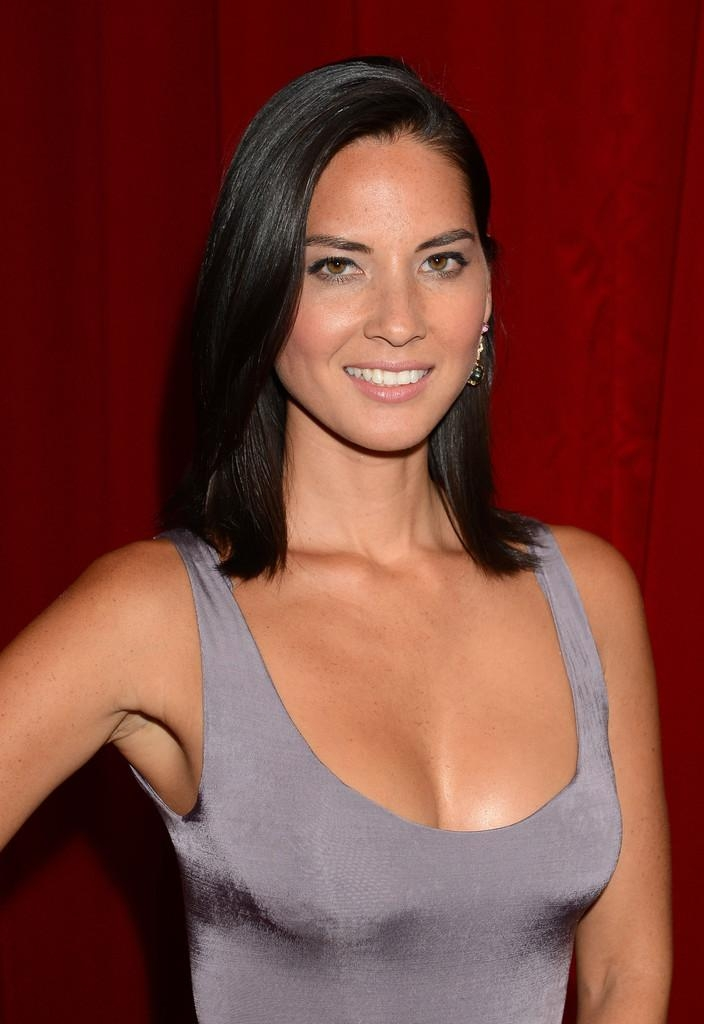 Olivia Munn Shoulder Length Hairstyles – Olivia Munn Hair Regarding Latest Olivia Munn Shoulder Length Bob Hairstyles (View 12 of 15)
