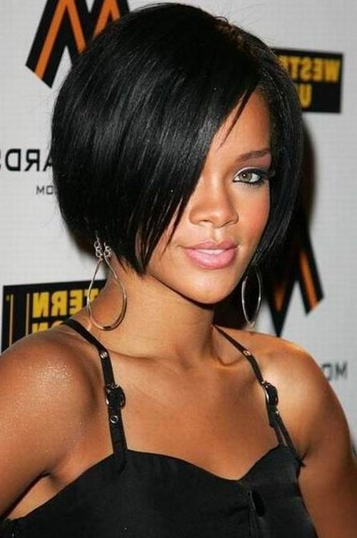 Rihanna Within Current Rihanna Shoulder Length Bob Hairstyles (View 11 of 15)