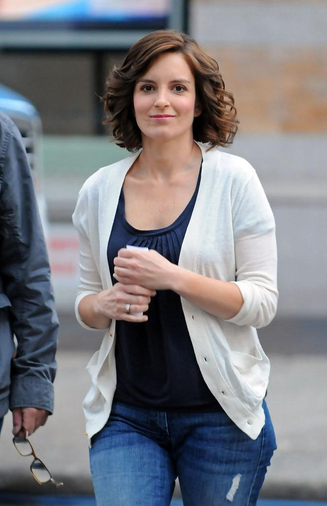 Tina Fey Shoulder Length Hairstyles – Tina Fey Hair – Stylebistro With Most Recent Tina Fey Shoulder Length Bob Hairstyles (View 13 of 15)