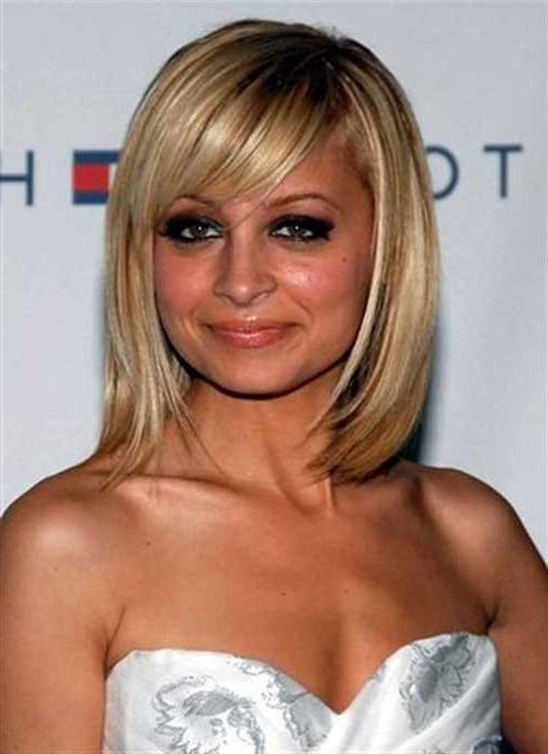 Trendy Medium Bob Hairstyles With Side Bangs Throughout Medium Bob Haircuts With Side Bangs – Haircuts Models Ideas (View 15 of 15)