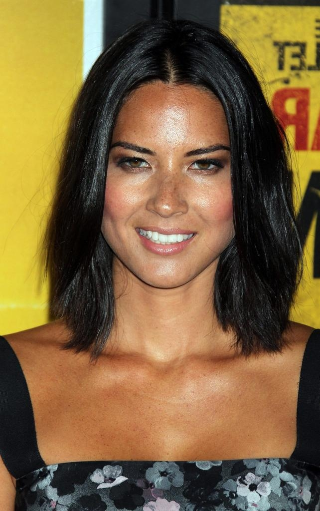 Trendy Olivia Munn Bob Hairstyles Pertaining To Olivia Munn Mid Length Bob – Olivia Munn Shoulder Length (View 12 of 15)