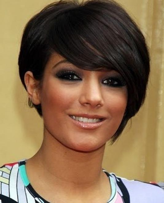 10 Easy, Short Hairstyles For Round Faces – Popular Haircuts Throughout Short Hairstyles With Bangs For Round Face (View 16 of 20)