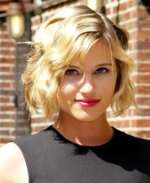 Featured Photo of Wavy Short Hairstyles For Round Faces