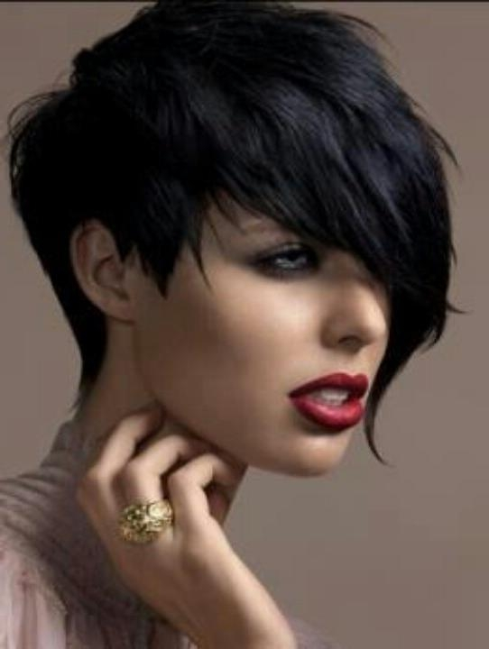 10 Stylish Short Hairstyles For Round Faces | Olixe – Style Regarding Funky Short Haircuts For Round Faces (View 5 of 20)