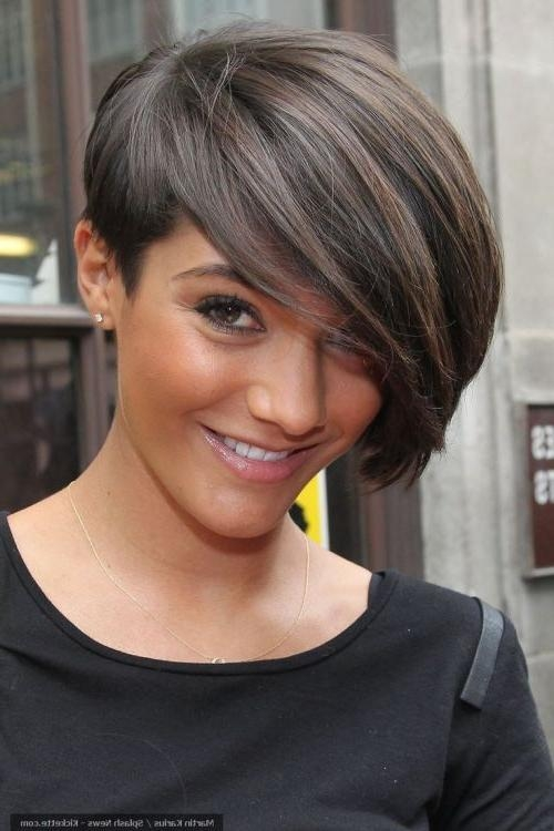 101 Chic Side Swept Hairstyles To Help You Look Younger In Short Hairstyles With Side Swept Bangs (View 2 of 20)