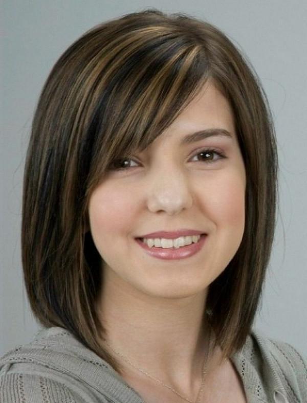111 Best Layered Haircuts For All Hair Types [2018] – Beautified Intended For Short Haircuts With Bangs For Round Faces (View 12 of 20)