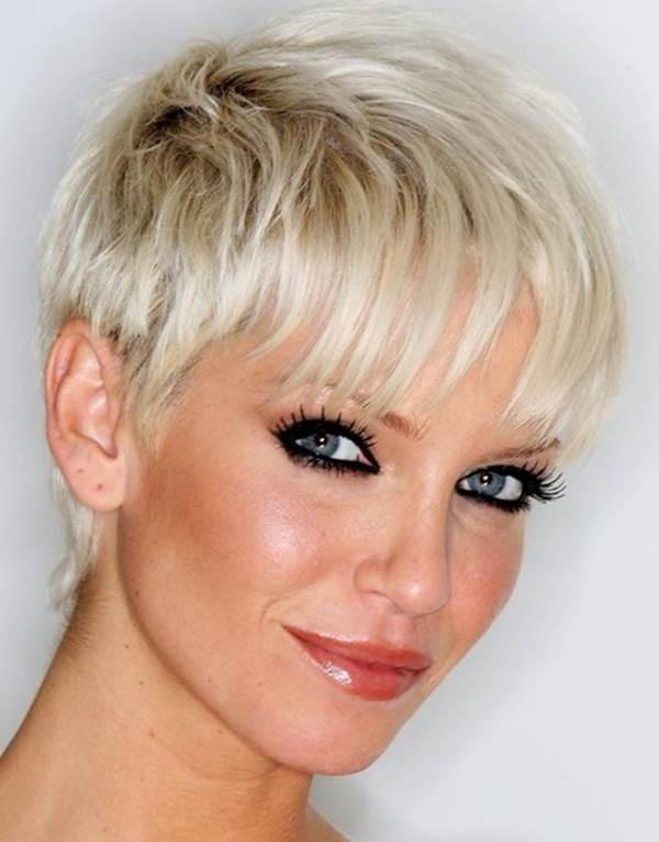 111 Hottest Short Hairstyles For Women 2018 – Beautified Designs In Short Haircuts For Women Who Wear Glasses (View 19 of 20)