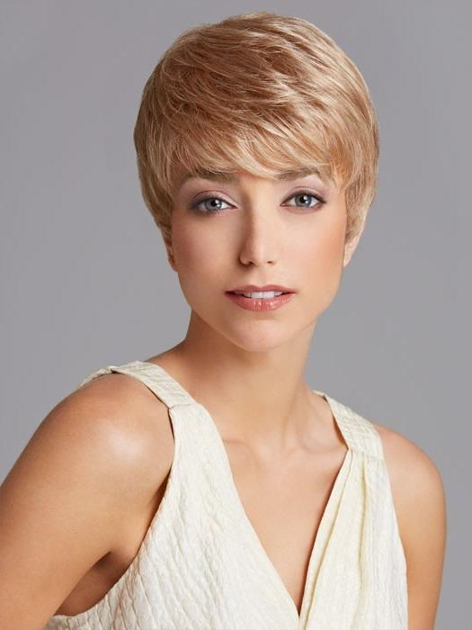 12 Simple Short Female Haircuts | Olixe – Style Magazine For Women Regarding Short Hairstyles Cut Around The Ears (View 9 of 20)