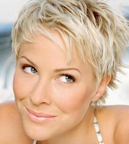 14 Fabulous Short Hairstyles For Women Over 40 – Pretty Designs Regarding Short Haircuts Styles For Women Over (View 13 of 20)