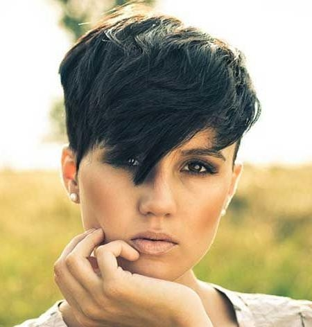 2020 popular edgy short haircuts for thick hair