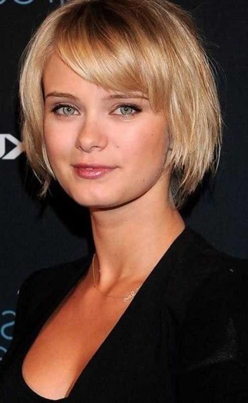 20 ideas of short haircuts with bangs for round face