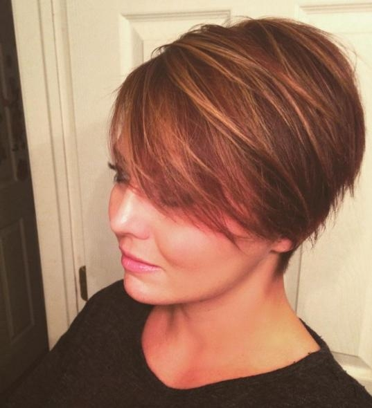 2019 Latest Short Haircuts For Round Faces Women
