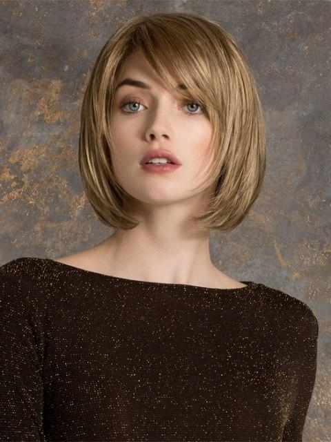16 Easy Short Haircuts For Thick Hair | Olixe – Style Magazine For For Short Hairstyles For Oval Face Thick Hair (View 6 of 20)