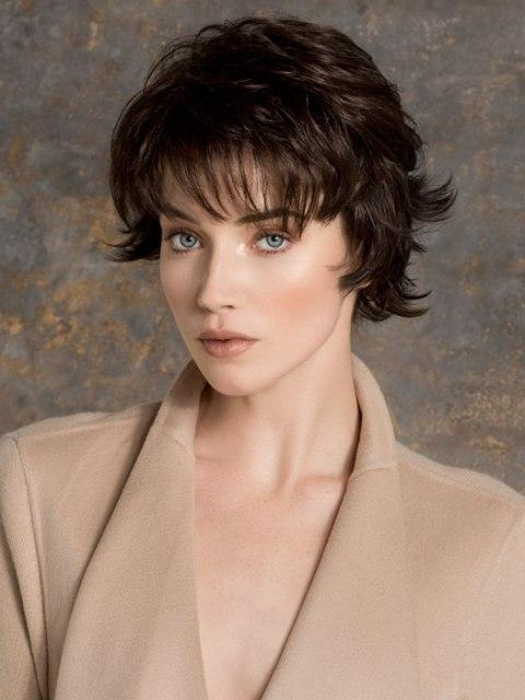 16 Easy Short Haircuts For Thick Hair | Olixe – Style Magazine For Inside Thick Wavy Short Haircuts (View 6 of 20)