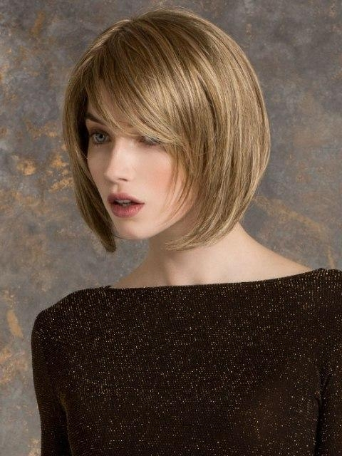 16 Easy Short Haircuts For Thick Hair | Olixe – Style Magazine For Regarding Short Hairstyles For Oval Faces And Thick Hair (View 3 of 20)