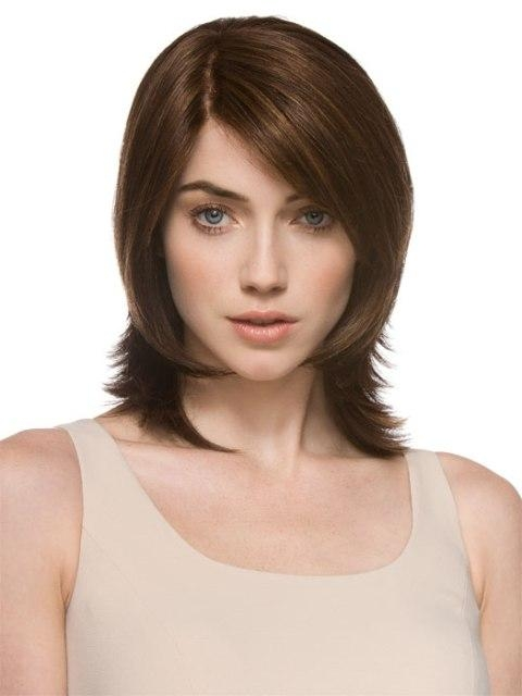 16 Easy Short Haircuts For Thick Hair | Olixe – Style Magazine For With Short Hairstyles For Square Faces And Thick Hair (View 2 of 20)