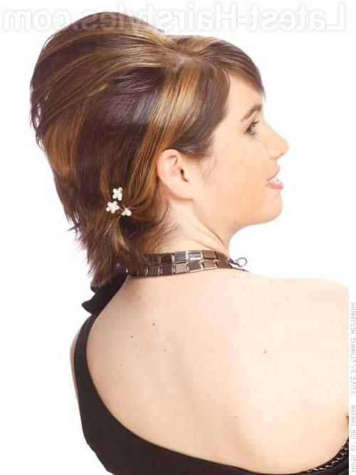 17 Chic Updos For Short Hair These Are Hot For 2018! Pertaining To Teased Short Hairstyles (View 2 of 20)