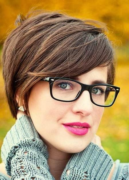 192 Best Short Hair & Glasses Images On Pinterest | Colors Inside Short Hairstyles For Women Who Wear Glasses (View 2 of 20)