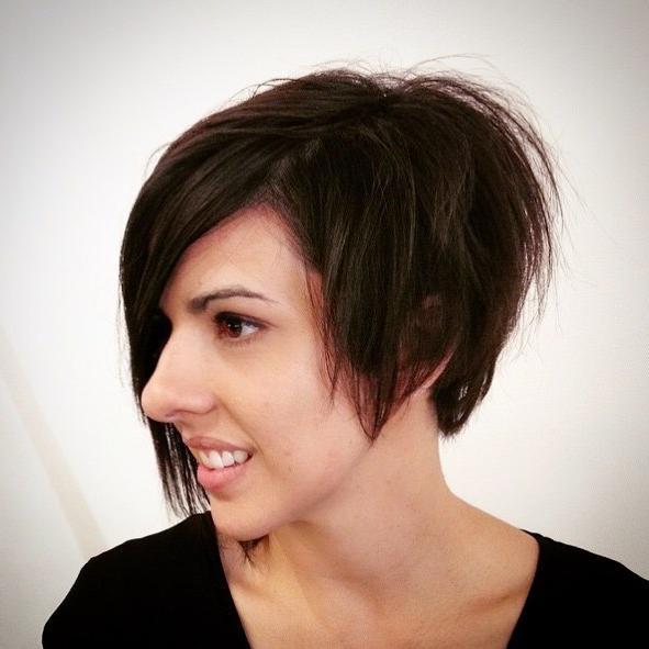 2018 Latest Short Hairstyles For Large Noses