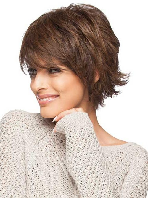 20 Feather Cut Hairstyles For Long, Medium, And Short Hair – Di Intended For Short Hairstyles With Feathered Sides (View 5 of 20)