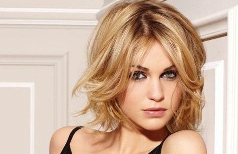 20 Flattering Hairstyles For Square Faces – Hairstyle Insider Within Short Haircuts For Square Jawline (View 2 of 20)