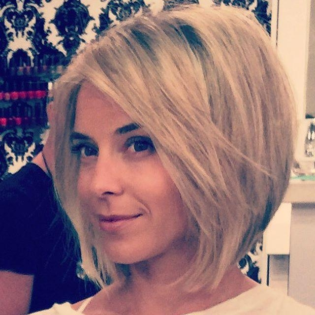 20 Glamorous Bob Hairstyles For Fine Hair: Easy Short Hair Inside Teased Short Hairstyles (View 15 of 20)