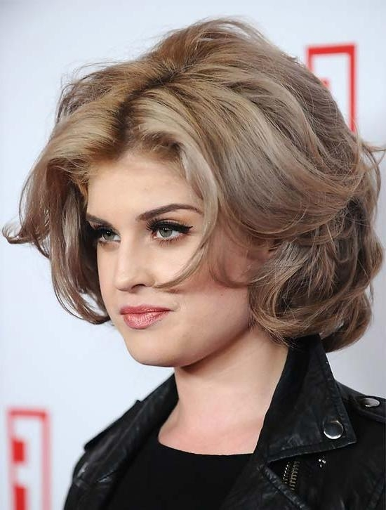 20 Kelly Osbourne Hairstyles & Haircuts – That Will Inspire You Throughout Kelly Osbourne Short Haircuts (View 2 of 20)