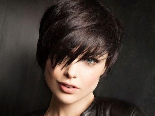 20 Popular Short Haircuts For Thick Hair – Popular Haircuts Inside Short Haircuts For Thick Hair With Bangs (View 4 of 20)