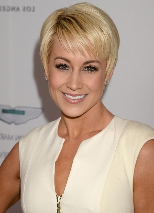 Photo Gallery Of Short Hairstyles For Thick Hair Over 40 Viewing 12