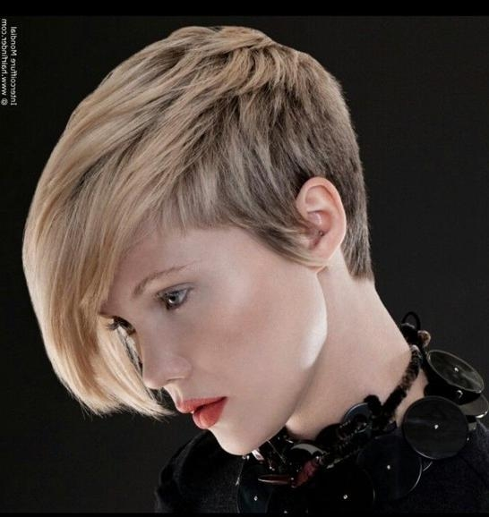 2017 Latest Short Asymmetrical Haircuts – Haircuts And Hairstyles Pertaining To Asymmetric Short Haircuts (View 15 of 20)