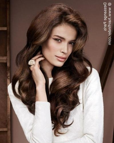 2018 Volume Long Hairstyles Pertaining To Feminine Long Hairstyle With Large Waves And Volume (View 3 of 20)