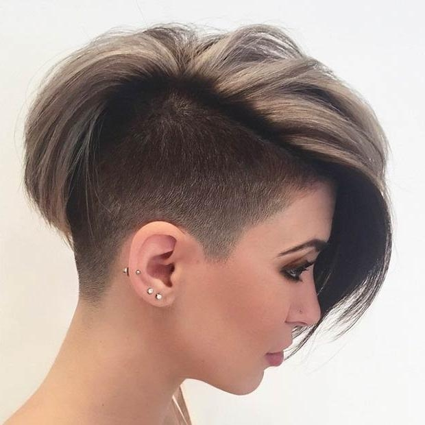 23 Most Badass Shaved Hairstyles For Women | Stayglam Throughout Short Hairstyles One Side Shaved (View 4 of 20)
